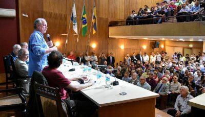 Engenheiros debatem política industrial, democracia e engenharia com Ciro Gomes