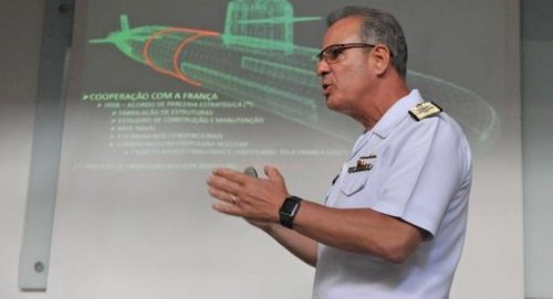 Primeiro submarino brasileiro será lançado ao mar em dezembro