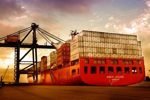 Cresce dependência da indústria de alta tecnologia por importado